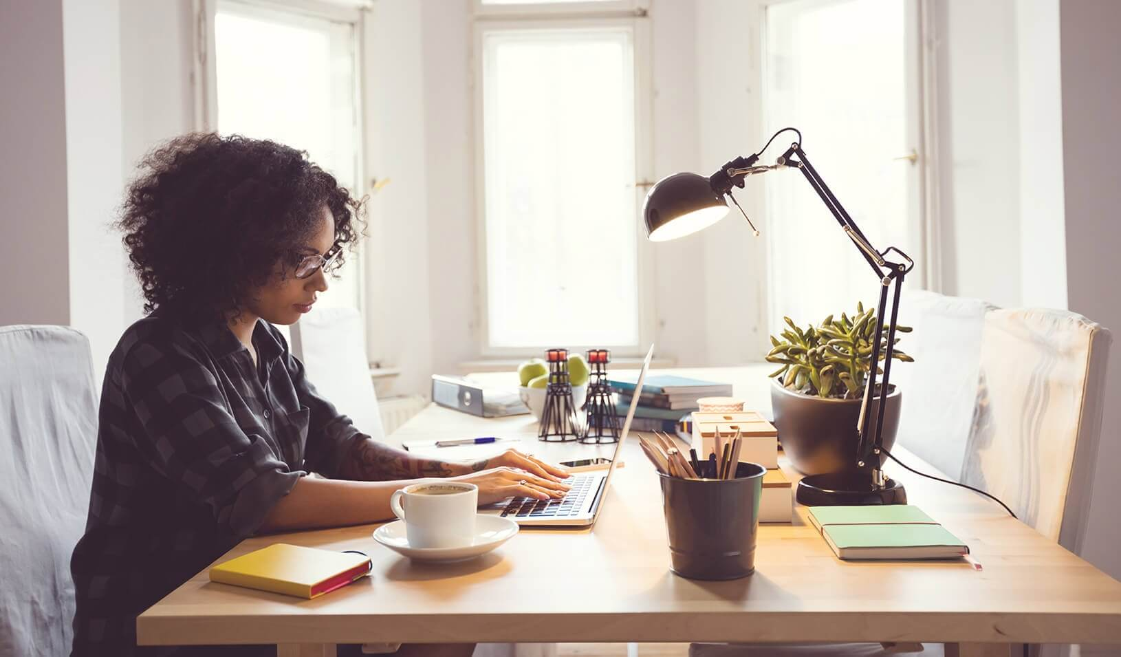 Working from home: the Advantages and Disadvantages | Luxome